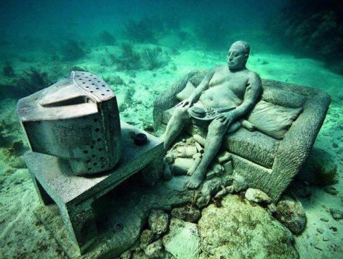 podwodne muzeum w Meksyku